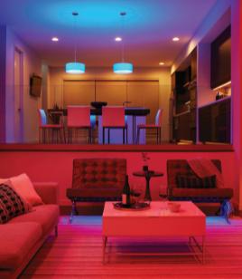 GE Lighting, une société savante lance une nouvelle cync™, alimentée par l'application mobile Savant, la caméra intelligente intérieure et la prise intelligente extérieure pour élargir davantage son portefeuille intelligent pour la maison