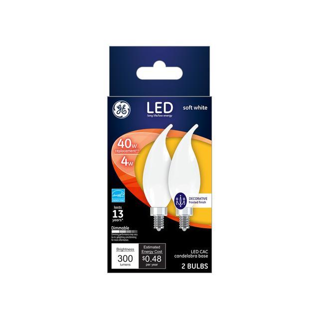 Paquet avant de GE Soft White 40 Replacement Ampoules LED Décorative White Bent Tip Candelabra Base CAC (2-Pack)