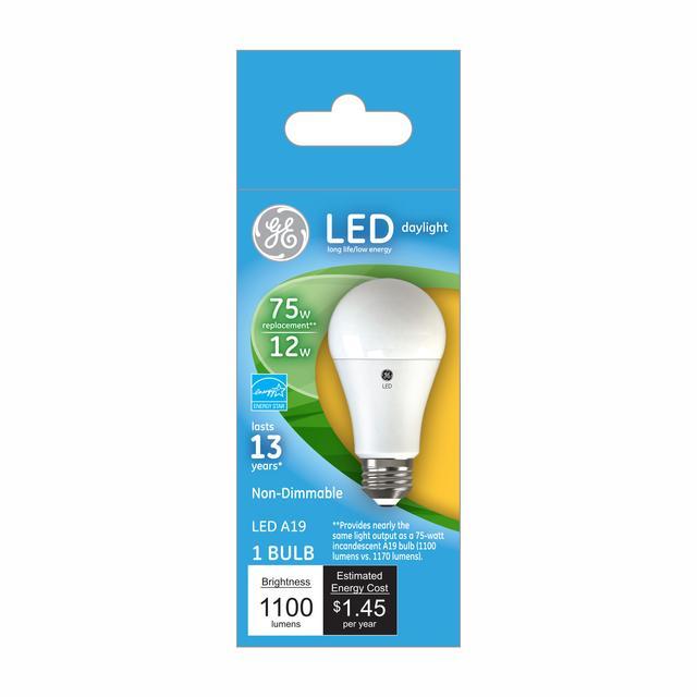 Ensemble avant de GE Daylight 75 W Remplacement LED à usage général A19 Ampoule lumineuse