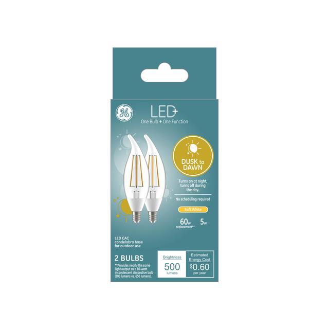 Ensemble avant de LED+ Crépuscule à Dawn Soft White 60 W Remplacement LED Décoratif Bent Tip Candelabra Base CAC Light Bulbs (2-Pack)