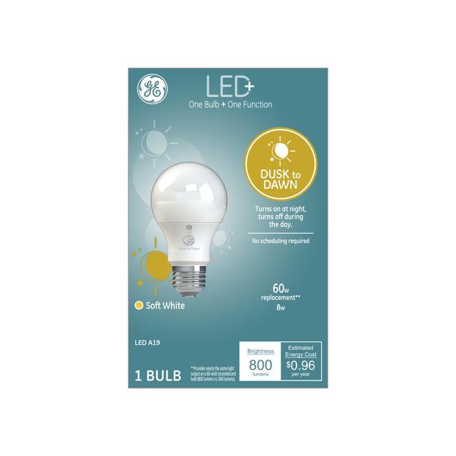 Paquet avant de GE LED+ Crépuscule à Dawn Soft White 60 W Remplacement ampoule LED General Purpose A19 (1 Pack)