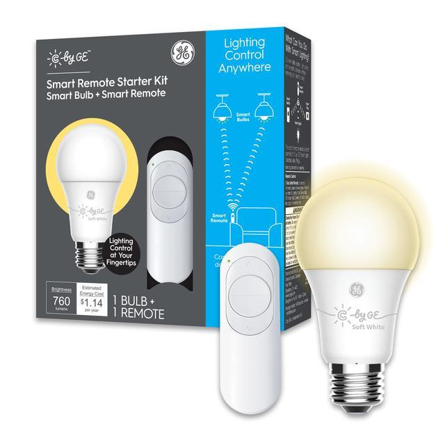 Ensemble avant de GE C by GE Starter Kit Remote avec égaliseur de 60 watts A19 Soft White Dimmable Smart LED Ampoule (2-Pack) (l'emballage peut varier)